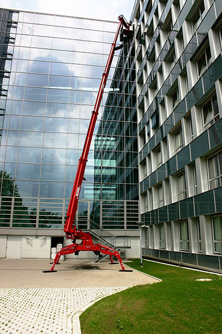 A 21m truck mounted platform allows an operator to access a telecoms tower